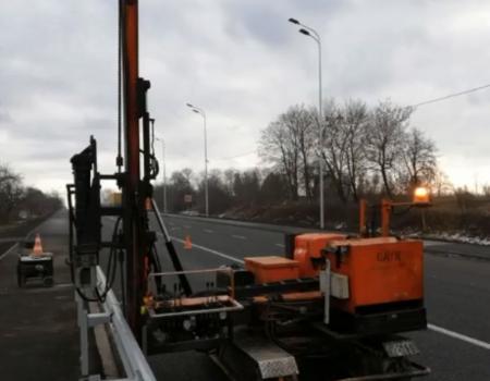 На Хмельниччині капітально ремонтують та убезпечують ділянку автошляху