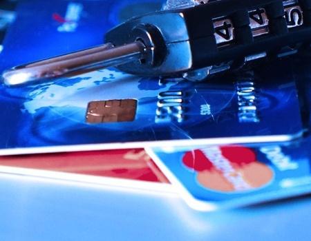 Мін'юст дозволив автоматично списувати з банківських рахунків українців борги за комуналку