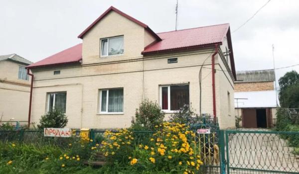 м. Волочиськ (200 кв.м)